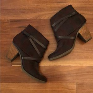 Crown vintage Beverly women's size 10 booties